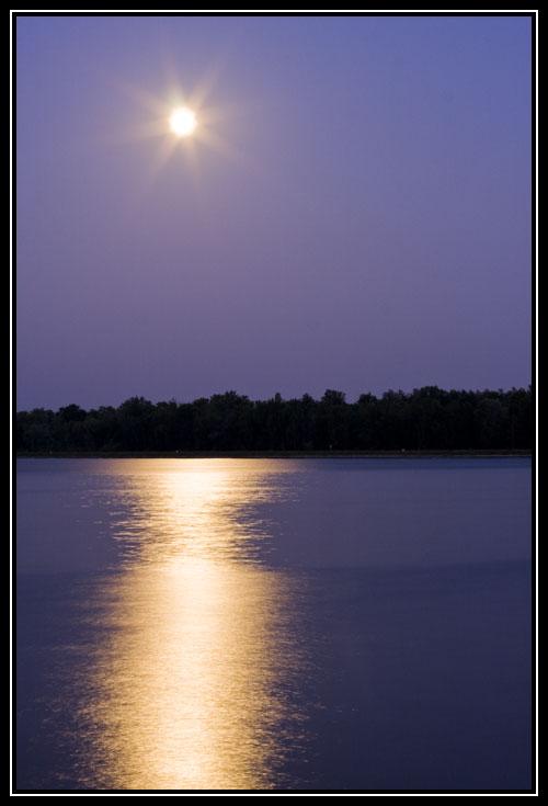 Lever de Lune sur le Rhin