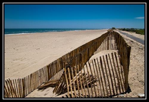 En tant que ville côtière, on peut y profiter de plusieurs kilomètres de plage de sable